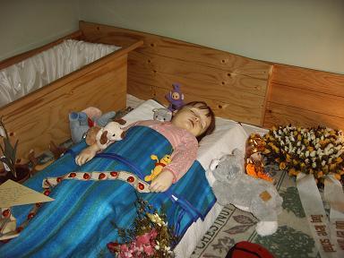 Mijn dode kindje - Slaapkamer fotos van het meisje ...